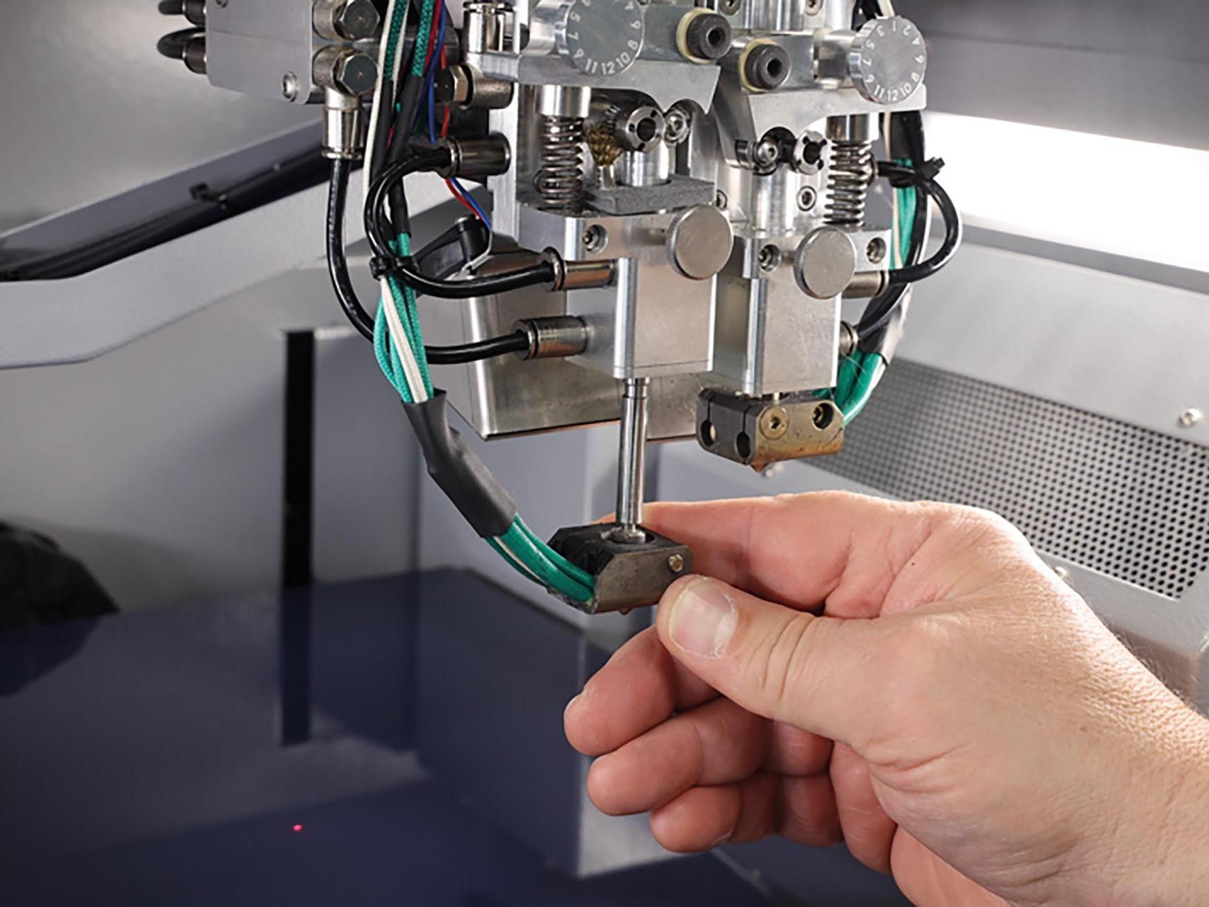 3D Drucker von innovatiQ - x500 Wartung